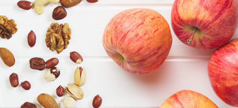 healthy snack idea - mixed nuts and apple